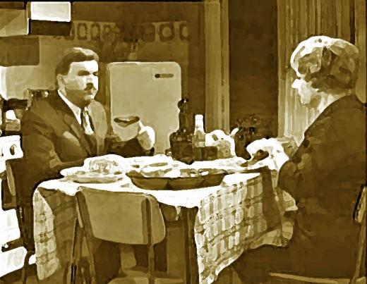 Fig.9_ Maigret a tavola.jpg